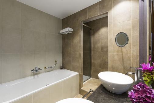 和平酒店,麗思卡爾頓夥伴酒店 - 日內瓦 - 日內瓦 - 浴室