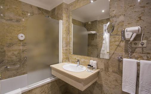 Hotel Mundial - Lisbon - Bathroom