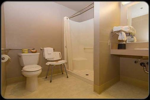 Pacific Inn Motel - Forks - Bathroom