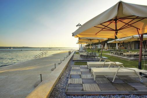 Socializing Hotel Mirna - LifeClass Hotels & Spa - Portorož - Beach