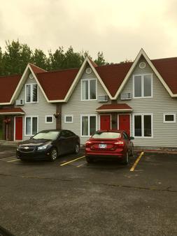 Restland Motel - Clarenville - Building