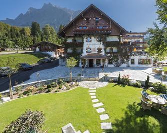 Romantik Hotel Spielmann - Ehrwald - Building