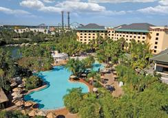Universal's Loews Royal Pacific Resort - Orlando - Uima-allas