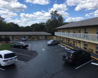 Days Inn by Wyndham Orange City/Deland - Orange City - Building