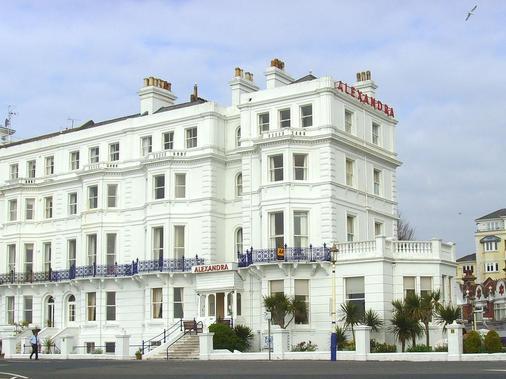 Alexandra Hotel Eastbourne - Eastbourne - Building