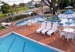 伊瓜蘇桑巴弗酒店 - 科士.道力喬 - 福斯的伊瓜蘇 - 游泳池