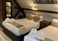 High Tor Hotel - Matlock - Schlafzimmer