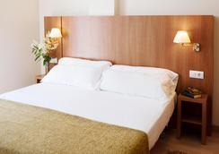 Aparthotel Ona Palamos - Palamós - Bedroom
