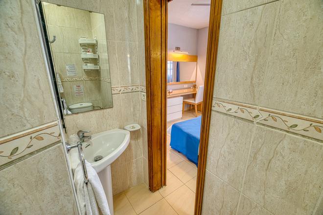 Ona Las Rosas - Santiago del Teide - Bathroom
