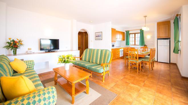 Ona Las Brisas - Playa Blanca - Dining room