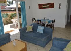 Emeraude Apartments - Blue bay - Sala de estar