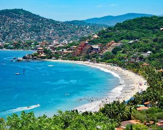 Hotel Villa Mexicana - Zihuatanejo - Playa