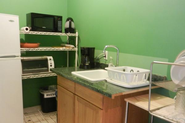 Efuru Guest House - New York - Kitchen