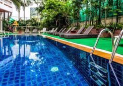 Inn Patong Hotel Phuket - Patong - Uima-allas