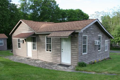 Lakeside Resort - Watkins Glen - Building