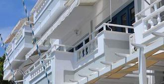Remezzo Hotel & Studios - Pythagorio
