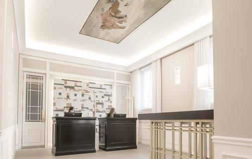 Palazzo Castri 1874 - Florence - Front desk