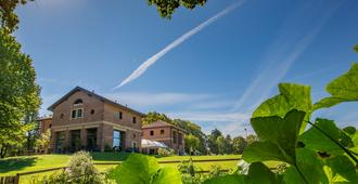 Ostello Costa Alta - Monza - Gebäude