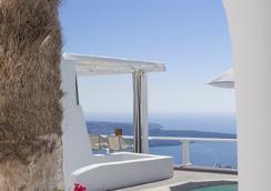 米爾典雅套房酒店 - 聖托里尼 - 費羅史戴芬妮 - 游泳池