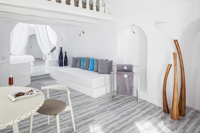 米爾典雅套房酒店 - 聖托里尼 - 費羅史戴芬妮 - 客廳