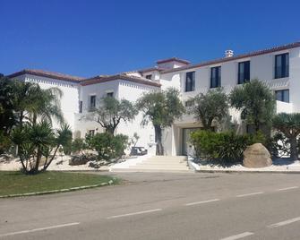 Hotel La Vecchia Marina - Арбатакс
