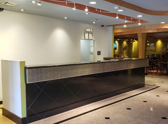 巴吞魯日lsu會議中心紅頂飯店 - 巴吞魯日 - 櫃檯