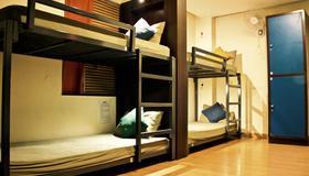Stops Hostel - New Delhi - Bedroom