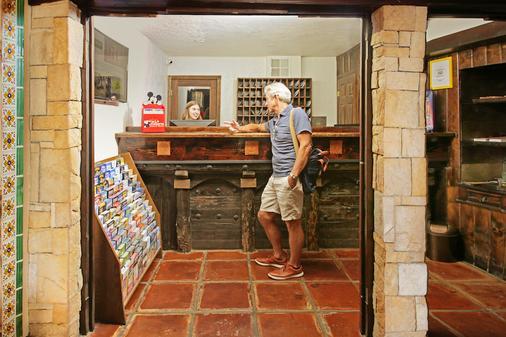 Hotel Pepper Tree Boutique Kitchen Studios - Anaheim - Anaheim - Front desk
