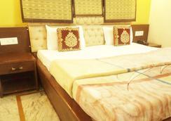 Hotel Aanandan Residency - Dehradun - Bedroom