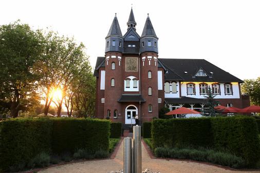 Palace St. George - Mönchengladbach - Outdoor view