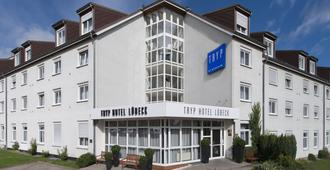 Tryp By Wyndham Lübeck Aquamarin - Любек - Здание