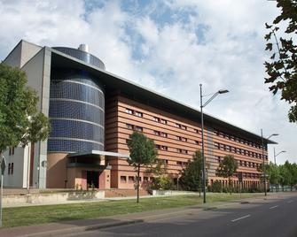 Tryp By Wyndham Halle - Halle - Building