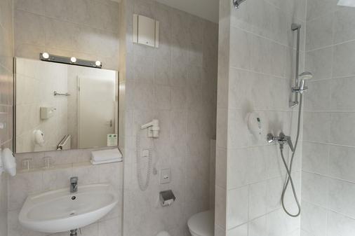 Good Morning + Berlin City East - Berlin - Bathroom