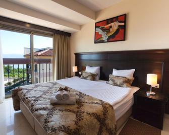 Blue Waves Resort - Malinska - Bedroom