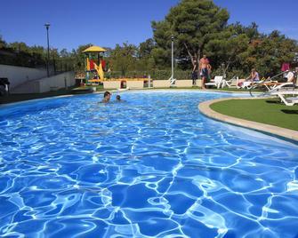 Blue Waves Resort - Малінска - Басейн