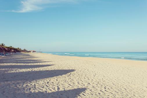 比萊夫體驗綠松飯店 - 式 - Varadero - 海灘
