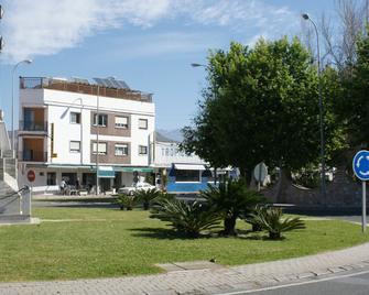 Hostal Puerto Beach - Motril - Building