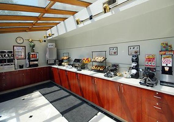 西雅圖塔科瑪機場凱富套房酒店 - 西泰克 - 錫塔克 - 自助餐