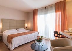 Hotel Donatello Imola - Imola - Bedroom