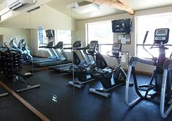 La Hacienda Rv Resort & Cottages - Austin - Gym