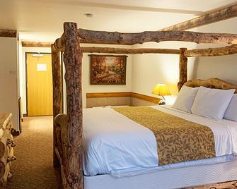 Grand Bear Resort at Starved Rock - North Utica - Bedroom