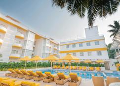 布盧姆套房飯店 | 恰朗格烏泰 - 卡蘭古特 - 游泳池