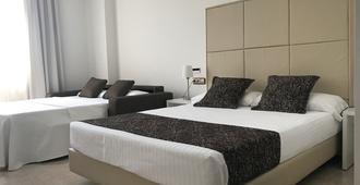 Hotel Císcar - Picanya - Bedroom