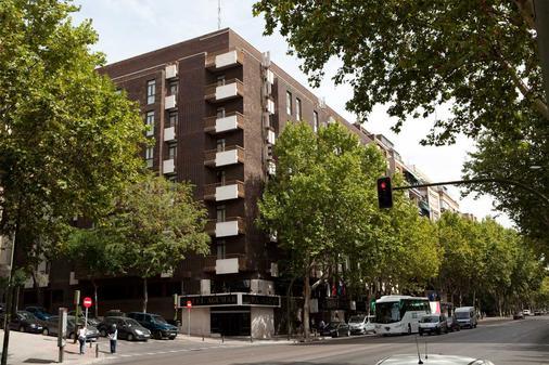 Agumar Hotel - Madrid - Building