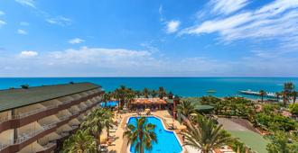 Galeri Resort Hotel - Okurcalar - Building