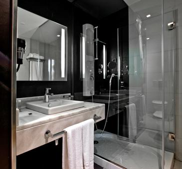 Occidental Castellana Norte - Madrid - Bathroom