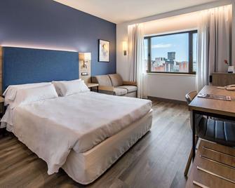 Hotel Puerta de Bilbao - Barakaldo - Bedroom