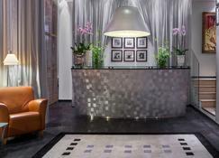 Hotel Auteuil Manotel - Geneva - Front desk
