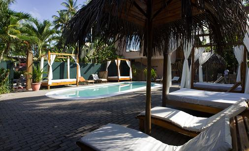 Copacabana Hotel & Suites - Jacó - Pool