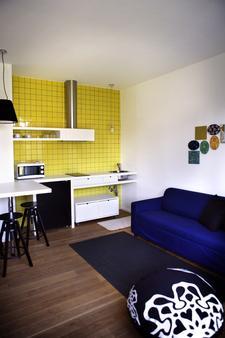 Mxp Rooms - Cardano al Campo - Kitchen